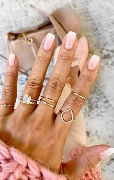 These nail designs are beyond pretty and perfect for Spring looks - Page 6 Classy Nails, Stylish Nails, Frensh Nails, Acrylic Nails, Manicures, Coffin Nails, Engagement Nails, Engagement Pictures, Fall Engagement