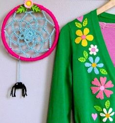Tutorial: Retro-style a cardigan with felt applique | Sewing | CraftGossip.com