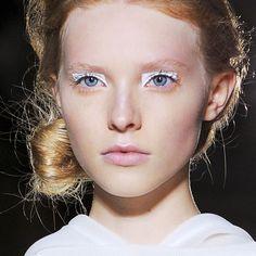 Tendance maquillage du printemps 2014: les fards blancs