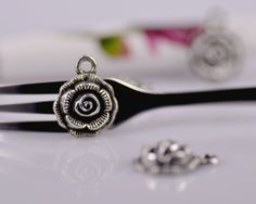 20pcs Ancient silver tone rose charms pendants , 15x11mm, TS6026. $2.66, via Etsy.