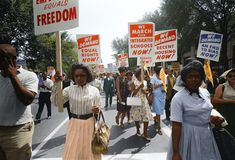VolunteerMatch Blog Martin Luther King Pictures, Washington Dc, Black N White Images, Black And White, Southern Christian Leadership Conference, Carolina Do Norte, Civil Rights March, Colorized Photos, Racial Equality