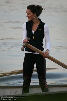 summer KATE MIDDLETON TRAINS ON THE RIVER THAMES Kate Middleton Workout Outfit Style Fashion Casual Look