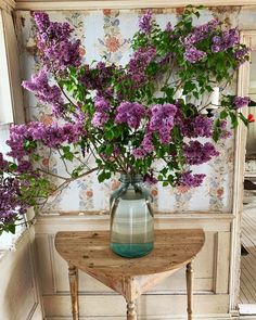 A Daily Style and Design Site of Interiors, Fashion, Luxury Style, Travel, and Leisure. Cool Chic Style Fashion inspire you every day. Greek Easter, Under The Lights, Growing Flowers, Flower Centerpieces, Floral Bouquets, Chicano, Shades Of Blue, 50 Shades, Spring