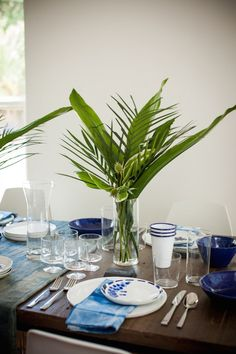 Breezy blue and white tabletop 10 Creative Party Table Ideas
