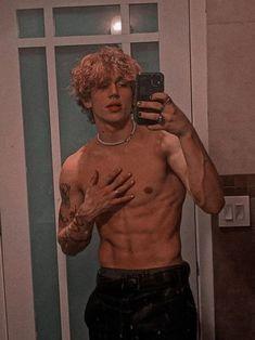 𝘿𝙚𝙨𝙙𝙚 𝙤 𝙛𝙤𝙛𝙞𝙣𝙝𝙤,𝙖𝙩é 𝙤 𝙥𝙤𝙧𝙣𝙤𝙯𝙞𝙣𝙝𝙤 [pedido… #fanfic # Fanfic # amreading # books # wattpad Beautiful Boys, Pretty Boys, Hot Skater Boys, Abs Boys, Cute White Boys, Hot White Guys, Bad Boy Aesthetic, Grunge Boy, Cute Teenage Boys