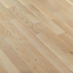 Bruce Fulton Strip floor brand comes at a discount price! This Solid Hardwood Flooring comes in a 2 1/4
