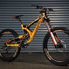 """Custom, ONE-OFF M9 with F-1 inspired McClaren paint job. Only one of this bike available. #intensecyles #formula1 #mountainbike #madeintheusa For…"""