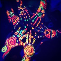 Cool idea for having your arms glow ! Find some neon crafting paint or gel, and…
