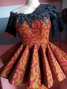 ankara stil Gorgeous and classy gown One word for her African print Ankara Style Latest African Fashion Dresses, African Dresses For Women, African Print Fashion, African Attire, Ankara Mode, Ankara Stil, Classy Gowns, African Lace Styles, African Traditional Dresses