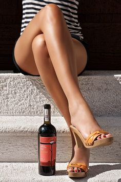 100 Style Ideas To Use Your Sexy Legs As A Fashion Accessories Wooden Sandals, Woman Wine, In Vino Veritas, Beautiful Legs, Tans, Sensual, Sexy Legs, Color Splash, Fashion Accessories