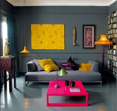 sofá-cinza-almofadas-coloridas