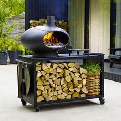 This beautifully designed Large Outdoor Grill Forno with Table will be a stunning centrepiece for your al fresco dining.