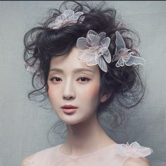Beautiful with butterflies. Who knew this was even possible? : Beautiful with butterflies. Who knew this was even possible? Portrait Inspiration, Photoshoot Inspiration, Makeup Inspiration, Bridal Headpieces, Bridal Hair, Beauty Shoot, Hair Beauty, Creative Makeup, Beauty Editorial