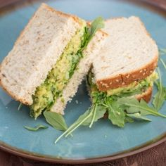 Smashed Chickpea & Avocado Salad Sandwich - a simple and delicious creamy vegan filling for a tasty lunch.
