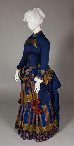 Worth promenade dress French, 1880 Media:Grosgrain silk