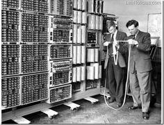 La computadora  más vieja del mundo revive - http://www.leanoticias.com/2012/11/21/la-computadora-mas-vieja-del-mundo-revive/