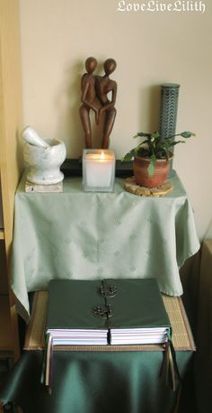 Simple altar and double book by https://lovelivelilith.deviantart.com on @DeviantArt
