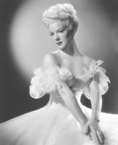 Old Hollywood Movie Stars 1940s | Old Hollywood Glamour- Betty Hutton