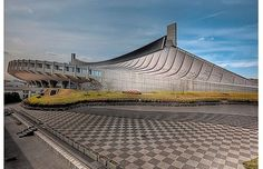 Yoyogi National Gymnasium by William Bullimore / HDR Photography Kenzo Tange, Brutalist Buildings, Japan Architecture, Stadium Architecture, Hdr Photography, Amazing Buildings, Roof Design, Tokyo Japan, Around The Worlds