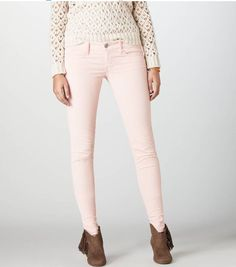 Knit sweater with light pink jeans