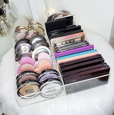 Makeup Forever Dubai Mall Makeup Collection In 2019 Palette Organizer, Makeup Storage Organization, Photo Makeup, Makeup Essentials, Makeup Forever, Makeup Tools, Makeup Tutorials, Makeup Palette, Makeup Collection