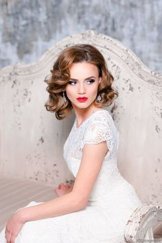 Elstile pictures gallery Vintage retro hairstyles ideas for wedding. Vintage classy hairstyle for Bridal hair. Retro Hollywood looks is another ideas for Wedding hair