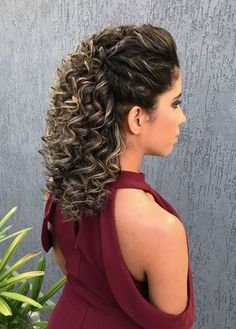37 Best Hairstyles for Short Curly Hair Trending in 2019 - Style My Hairs Curly Hair With Bangs, Short Curly Hair, Curly Hair Styles, Natural Hair Styles, Curly Girl, Permed Hairstyles, Hairstyles With Bangs, Braided Hairstyles, 1980s Hairstyles
