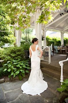 Garden Wedding Fashion   #MermaidGown    Photo: Laurie Carpenter #cjsoffthesquare