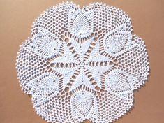 Tulips crochet doily, lace doily , centerpiece , 16 inches by kroshetmania on Etsy