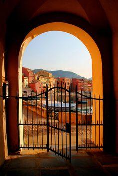 Portal Gate, Sestri Levante, Italy