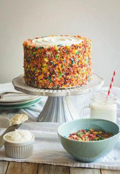 Fruity Pebbles Funfetti Cake - Fun Ways to Eat Ric - Fruity Pebbles Rice Crispy Treats Cupcakes Funfetti Kuchen, Funfetti Cake, Cupcakes, Cupcake Cakes, Just Desserts, Dessert Recipes, Dessert Blog, Easy Cake Decorating, Decorating Ideas
