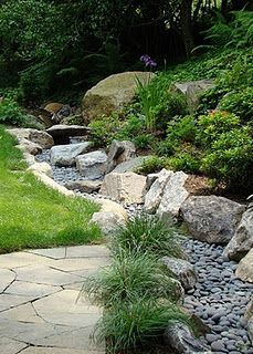 A dry creekbed as a design feature