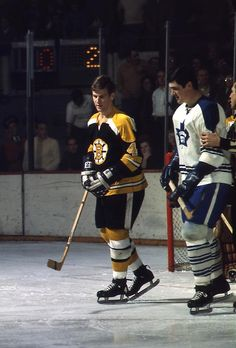 Quinn restrained from Orr – Vintage Sports Images Ice Hockey Teams, Hockey Players, Pat Quinn, Nhl, Maple Leafs Hockey, Bobby Orr, Boston Bruins Hockey, Body Check, Boston Sports