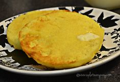 minute english style muffin low carb - coconut and almond flour Low Carb Bread, Keto Bread, Low Carb Keto, Mug Recipes, Gluten Free Recipes, Low Carb Recipes, Bread Recipes, Low Carb English Muffin, English Muffins