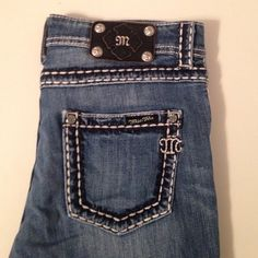 Miss Me boyfriend capri These capris have the pocket pattern on the front as well! 24 inch inseam Miss Me Jeans