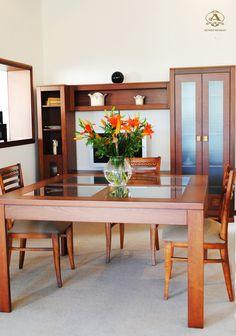 Comedor mesa aero cuadrada con vidrio.   Para tu espacio ideal, una combinación de madera y vidrio que no deja de sorprender.