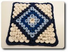 Tutorial: Wiggly Crochet K-Town-Style (Part 2 - Hotpad/Cushion Pattern) Please note: This is a free pattern for your personal use. Wiggly Crochet Patterns, Crochet Motifs, Crochet Blocks, Crochet Squares, Crochet Granny, Crochet Stitches, Knit Crochet, Crochet Potholders, Granny Squares