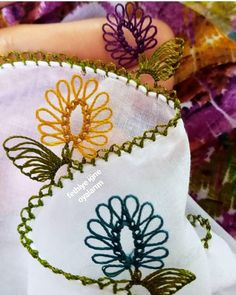Besten 8 Stricken : Get Ready For 2020 With These Amazing Needle Lace Models Needle Tatting, Needle Lace, Crochet Flower Tutorial, Crochet Flowers, Crochet Blanket Patterns, Baby Knitting Patterns, Lacemaking, Thread Art, Flower Applique