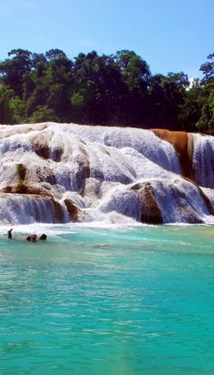 Beautiful Aqua Azul waterfall, Chiapas, Mexico | 10 Useful Things you Must know Before Traveling to Mexico, an Exciting and Challenging Destination