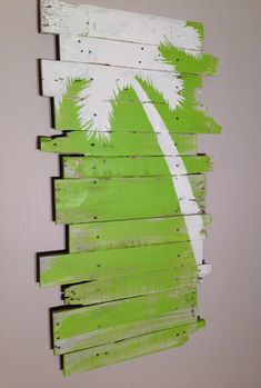 Palm Tree Green Lt Lean 24 x 43 by WoodburyCreek on Etsy art diy art easy art ideas art painted art projects Diy Wall Art, Diy Wall Decor, Diy Art, Home Decor, Pallet Crafts, Wood Crafts, Diy Wood, Dark Grey Background, Do It Yourself Inspiration
