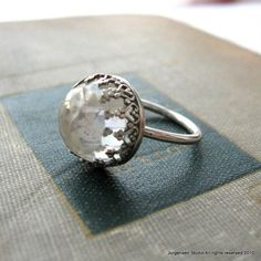 I love vintage looking jewelry and I especially love large chunky stones in silver/white gold/platinum.