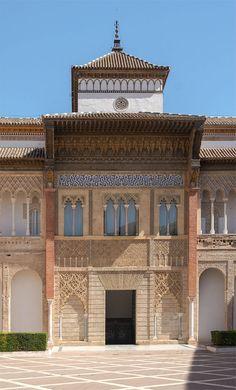 Palacio del Rey  Don Pedro en el Patio de la Montaría de los Reales Alcazares de Sevilla