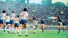 Potente disparo de Antognoni ante Inglaterra en las eliminatorias de Argentina 78