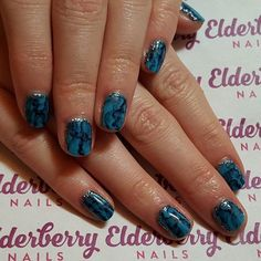 #turquoise #preciousstone #nails with a #sparkly #edge  #cndshellac in #ceruleansea with #sharpiemarbling and #lecente #gunmetal #framing #showscratch #nailart #lovemyjob #lovecnd #lovelecente #mobilenails #cardiff #cardiffnails  @lovelecente @servethepro @scratchmagazine