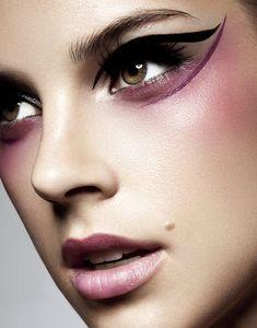 CHIC MAKEUP l plum liner l winged | highlighter | cheek bones #fashion #makeup #beautiful