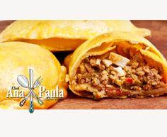 Otima pedida para o final de semana!! Empanada argentina --------------------------------------- Ingredientes 250g de Carne Moída ½ Xícara (chá) de Pimentões 5 Azeitonas (picadas) 3 Colheres de Sopa de Milho 1 Ovo Cozido 2 Dentes de Alho 250g Farinha de Trigo 50g Margarina ou Manteiga s/ Sal ⅔ Xícara Chá de Água Sal e Pimenta do Reino 1 Gema para Pincelar --------------------------------------- Modo de preparo Em uma panela refogue o alho rapidamente, junte a carne moída, tempere com sal e…