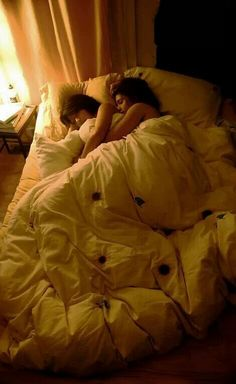 Cuddle fuddle in bed same love, love her, love of my Cute Lesbian Couples, Lesbian Love, Cute Couples Goals, Couple Goals, Lesbian Pride, Parejas Goals Tumblr, Short Person, Girlfriend Goals, Gay Aesthetic