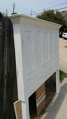 Antique Door Headboards, Headboard From Old Door, Vintage Headboards, Diy Headboards, Diy King Headboard, Picture Headboard, White Headboard, Grey Doors, Old Doors