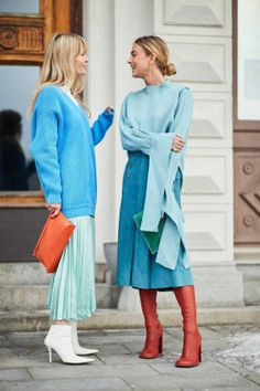 Kicking off 2018 in style, it's the Scandi crew at Stockholm Fashion Week. H… Kicking off 2018 in style, it's the Scandi crew at Stockholm Fashion Week. Here are the best street style looks from the chilly Swedish city. Fashion Mode, New York Fashion, Look Fashion, Trendy Fashion, Autumn Fashion, Fashion Trends, Womens Fashion, Blue Fashion, Spring Fashion