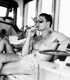 Errol Flynn 14 Ridiculously Hot Actors From Classic Hollywood Movies